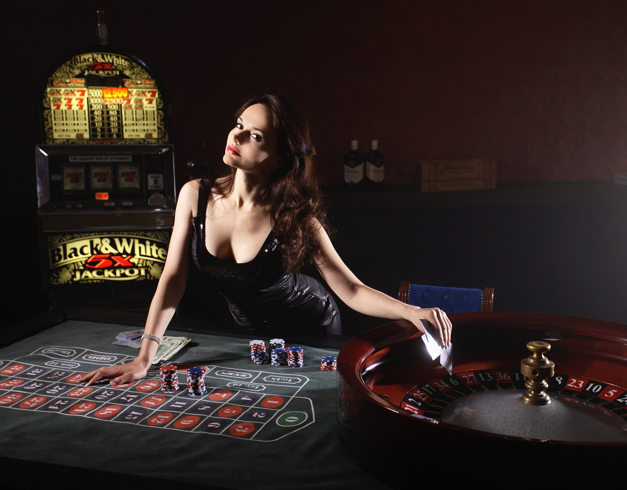 Live Dealers Make Online Casino Gambling More Exciting!